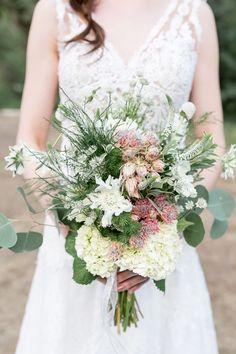 Textural bridal bouquet   Chris Loring Photography