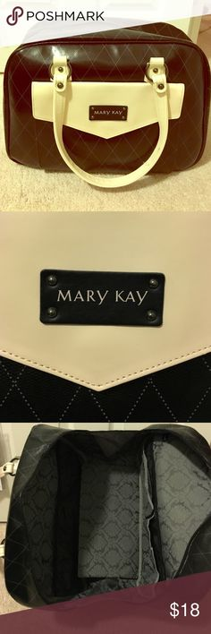Mary Kay tote bag Mary Kay starter kit tote.  Multiple convenient pockets on the inside!  Classy pattern lining inside of bag.  One outer pocket (under flag with snap closure.  Zips all the way open.  In great, unused condition!  Authenticity guaranteed. Mary Kay Bags Totes