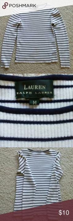 On hold till Thursday!! Ralph Lauren blouse size M Preowned Cute blouse 100% Cotton Ralph Lauren Tops Blouses