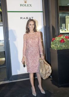 Isabel Preysler retoma sus compromisos - Foto 1 Elegant Party Dresses, Glam Dresses, Fashion Over 40, Fashion Show, Cocktail Vestidos, 50 And Fabulous, Advanced Style, Casual Fall Outfits, The Dress
