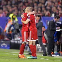 """14.2 ezer kedvelés, 43 hozzászólás – Bundesliga (@bundesliga_en) Instagram-hozzászólása: """"@franckribery7 + @arjenrobben = #squadgoals . . . #Bundesliga #Football #Soccer #Germany #fussball…"""""""