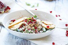 Sağlıklı ve glutensiz beslenme ya da farklı tatların peşinde olanlar için lezzetli ve kolay bir salata tarifi. Dilerseniz malzeme ekleyebilir ya da elinizde bulunanlara göre malzeme değişikliği yapabilirsiniz.