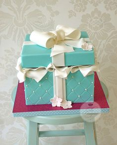 Cut open - gutted -Painted blue - bow and ribbon glued and painted on - white tissue coming out of the propped up top Gorgeous Cakes, Pretty Cakes, Amazing Cakes, Crazy Cakes, Fancy Cakes, Tiffany Blue Cakes, Tiffany Party, Tiffany Box, Fondant Cakes