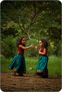 """Faces of the World on is part of children Face Sisters - """"The forest princesses! Precious Children, Beautiful Children, Beautiful Babies, Beautiful World, Beautiful People, We Are The World, People Around The World, Cute Kids, Cute Babies"""