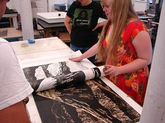 Jess's woodcut being pulled.