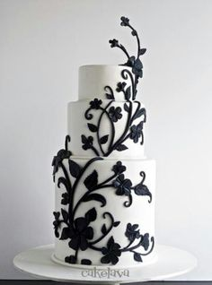 Elegant black & white wedding cake...  Cakelava