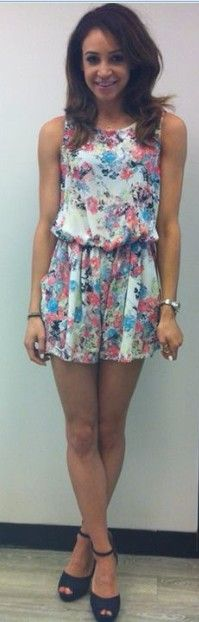 Love her summer playsuit! Even though she's not with Liam, I still love Danielle. She really is inspirational! ♡