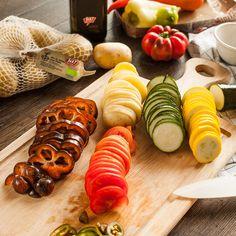 Für 4 Personen - Wasser aufkochen, Zucker, Vanille und Kumquats beigeben und nochmals aufkochen lassen. Mit einem Teller, der vom Umfang ... Chutneys, Ratatouille, Quiche, Veggies, Snacks, Vegan, Ethnic Recipes, Soups, Crispy Potatoes