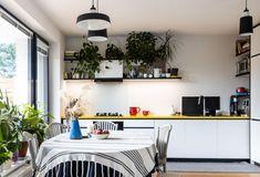 Dom v pezinskej radovej zástavbe plný farieb a kvetov   DOMA.SK Table, Furniture, Home Decor, Decoration Home, Room Decor, Tables, Home Furnishings, Home Interior Design, Desk