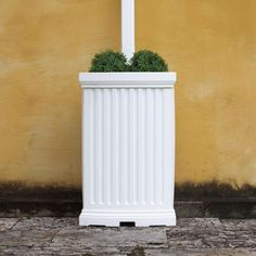 madison rain barrel/planter: currently recreating w/ garbage can + wood