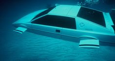 007 Lotus Esprit 'Submarine Car went up for auction. Sold for The one and only fully functional Submarine Car used sed in the James Bond film The Spy Who Loved Me Lotus Esprit, Aston Martin Db5, Tesla Motors, Tesla S, Roger Moore, James Bond Auto, James Bond Movies, Bmw M1, Elon Musk
