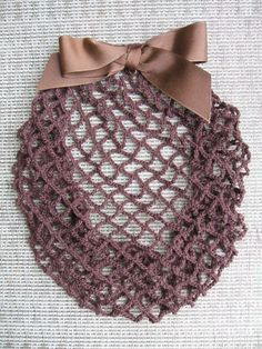 "Maybe something for Emily - snood crochet pattern | FREE CROCHET SNOOD PATTERNS from patternsge.net. #judithm #snood I always thing of Meg and sisters from ""Little Women"" when I see a snood."
