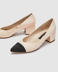 fashion shoes Wearing heels to work can be a struggle! Weve got 15 shoes that will make wearing heels to work easy and bearable! Pretty Shoes, Cute Shoes, Me Too Shoes, High Heel Boots, Shoe Boots, High Heels, Women's Shoes, Shoes Sneakers, Ankle Boots
