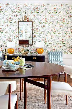 vintagey look floral wallpaper