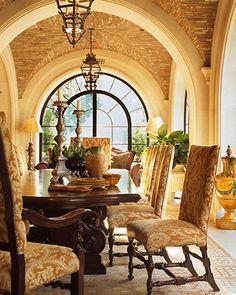 https://i.pinimg.com/236x/ef/2d/71/ef2d716991f9bffd26c9da9d77882ba4--elegant-dining-room-dining-room-design.jpg