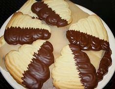 Flammende Herzen Can also be baked vegan, just use a vegan butter alternative! Flaming Hearts (Recipe with Image) by Rosalilla Chocolate Cookie Recipes, Peanut Butter Cookie Recipe, Easy Cookie Recipes, Sugar Cookies Recipe, Healthy Dessert Recipes, Smoothie Recipes, Cupcakes, Cake Mix Cookies, Vegan Banana Bread