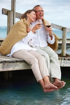 whick senior dating site Mature & senior singles - dating over 50 below is a list of all the online dating services which specifically target the over 50 dating audience that have been reviewed by our editors when searching, most dating sites allow you to select an age range which is especially helpful for those in this niche.