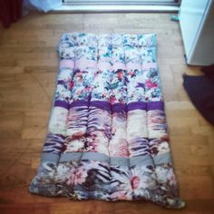Scrap fabric cot quilt made by me  #ashleigholynnart #quilt #baby #cot #upcycle
