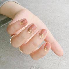 Nails and Make Up Pin by Shannon Riley on Gelsies in 2019 Ten Nails, Subtle Nails, Korean Nails, Minimalist Nails, Manicure E Pedicure, Chrome Nails, Cute Nail Art, Stylish Nails, Wedding Nails