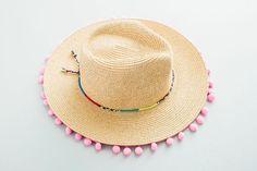c21b1512a93c2 No need to buy a new hat this summer --- just DIY! De. De PraiaChapéus ...