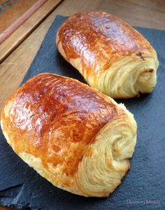 Pains au Chocolat / Croissants – Best for You Cooking Bread, Cooking Chef, Cooking Recipes, Bread Recipes, Good Morning Breakfast, Desserts With Biscuits, Masterchef, Dessert Bread, Food Inspiration
