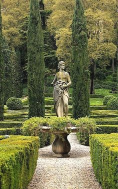Giusti Gardens, Verona, Italy | by Mikhail Ursus Travel Travelling Information on our Site http://storelatina.com/travelling #tour #traveling #gerrîn #сафар #подорожувати #ferðast