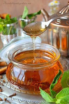 Sirop de miel inratable pour pâtisserie orientale Chimney Cake, Arabic Dessert, Egyptian Food, Food Stamps, Cooking Recipes, Healthy Recipes, Chocolate Coffee, Chocolate Cake, Milk And Honey