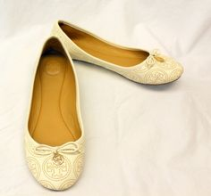 Fabulous!! Tory Burch Chelsea Stitched Ballet Flats! #ToryBurch #BalletFlats
