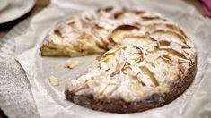 Einfach und schnell zubereitet: Apfel-Mandel-Kuchen mit Zimt und Quark schmeckt zum Kaffee, Tee oder zum Dessert.
