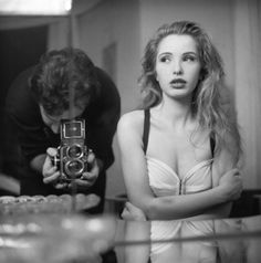 Julie Delpy photographed by Stéphane Coutelle 1990 Julie Delpy, Hollywood Celebrities, Hollywood Actresses, Actors & Actresses, Before Sunrise Movie, Star Fashion, Fashion Beauty, Fashion Models, Celine
