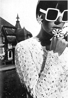 1965, Vogue UK. Photo: David Bailey.