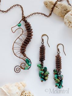 Wire Work Seahorse by Melantril Diy Jewelry Necklace, Fall Jewelry, Wire Earrings, Pendant Jewelry, Beaded Jewelry, Jewelery, Necklaces, Wire Crafts, Jewelry Crafts