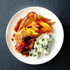 Poitrines de poulet au cari et à la mangue - Châtelaine
