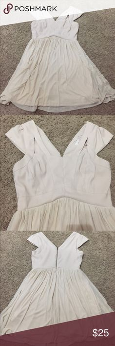 GB blush dress. Gianni Bini junior dress. Cutout detail on front with zipper on back. Worn once. Gianni Bini Dresses Midi