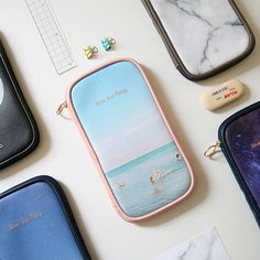 But today zip around pencil case by Second mansion. This pencil case is a beautiful and adorable multi purpose zip around pencil case and pouch.