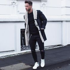 """Daniel auf Instagram: """"Cold Sunday* Have a nice day! ____________ Coat: @closedofficial Jeans: @zara Sneaker: @rafsimonsofficial"""""""