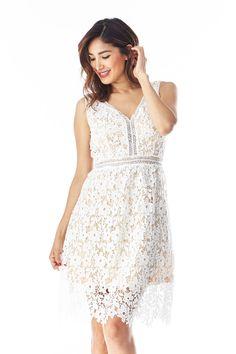 White v-neck crotchet sleeveless fit and flare dress