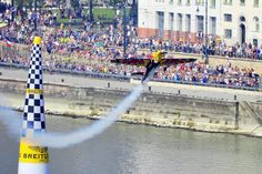 Péter Besenyei became an aerobatics pilot and won several titles in national and international championships. He won his first gold medal in 1982 at the Austrian National Championships. National Championship, Red Bull, Budapest, Bugs, Pilot, Fair Grounds, Racing, Travel, Viajes