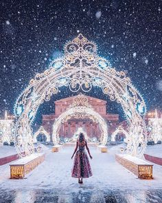 Photos Of Women In Dresses Set Against Magical Landscapes By Russian Photographer Kristina Makeeva Fantasy Photography, Creative Photography, Girl Photography, Kida Atlantis, Cool Pictures, Cool Photos, Foto Fantasy, Photo Grid, Illustration Mode