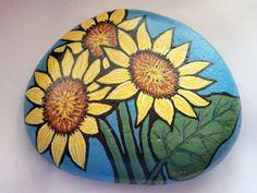 Outra pedra pintada - Pintura Decorativa - ,que ficará linda em seu vaso de…