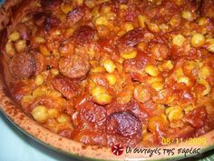 Great recipe for Chickpeas with country sausage. Amazing taste and flavor! We just love chickpeas cooked like that. Make the recipe and you will remember me. Greek Recipes, Chana Masala, Chili, Sausage, Good Food, Beans, Soup, Dinner, Vegetables