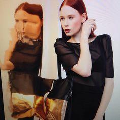 #Repost @maskenraum  Shoot für @elektropulli #glitzer #gold #kupfer #blingbling #straight #cool #look #haare #hair #makeup #makeupartist #mua #fashion #bags #taschen