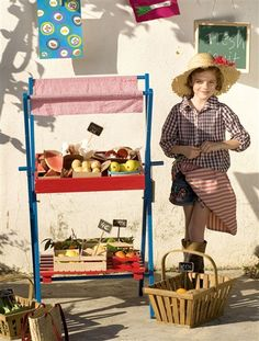 Make this as a collapsible interest/ play/craft table. Dress according to theme