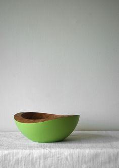 a serving bowl
