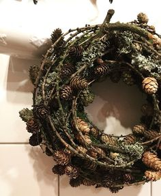 Weihnachten - New Ideas Easy Fall Wreaths, Holiday Wreaths, Winter Christmas, Christmas Crafts, Outdoor Christmas Decorations, Holiday Decor, Creations, Bouquet, Iren