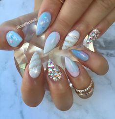 Unicorn Horn Nails Fancy Nails, Love Nails, How To Do Nails, Gorgeous Nails, Pretty Nails, Diy Unicorn, Unicorn Nail Art, Unicorn Makeup, Magical Unicorn