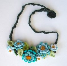 meekssandygirl's crochet turquoise flowers necklace from ravelry