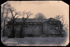the abandoned hotel [2239 x 1493] - Imgur