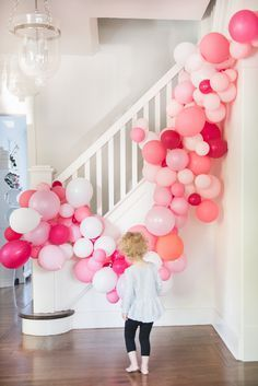 A balloon arch without wire for a birthday party or other event