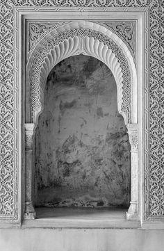 Doorway, the Alhambra, 2016. nigrumetalbum.com instagram.com/sashleyphotos